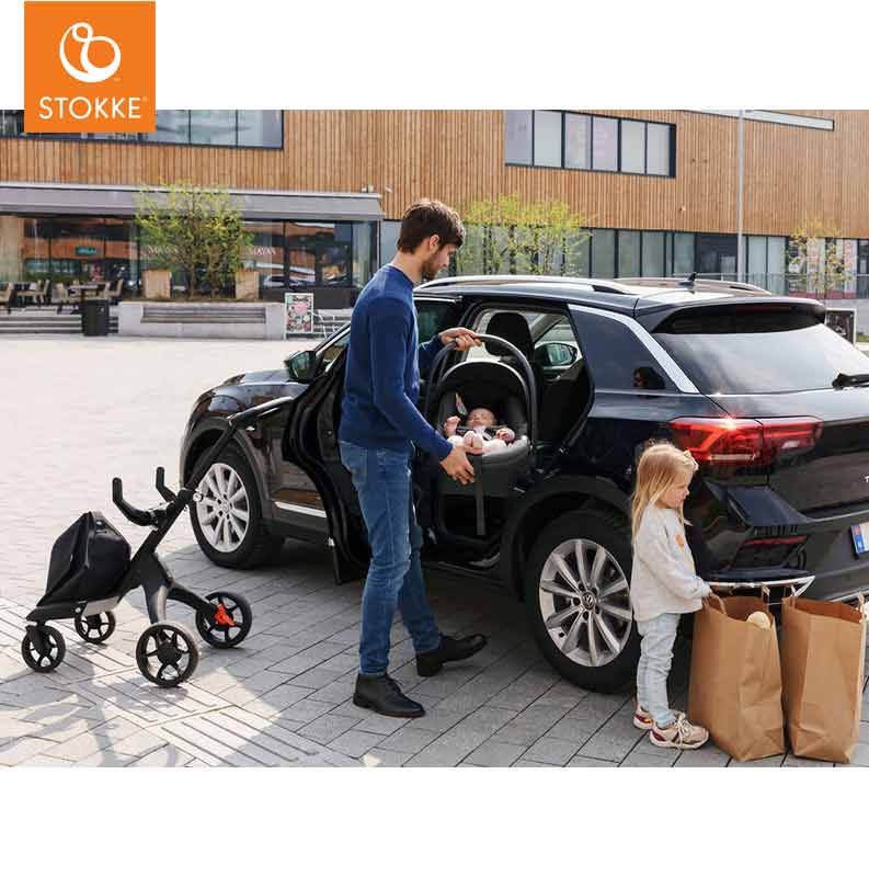 CJ6_AutoStoel_Stokke_iZi_Go_Modular_X1_by_BeSafe_With_Child_Car.jpg