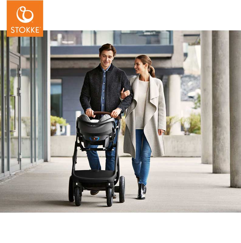 CJ6_AutoStoel_Stokke_iZi_Go_Modular_X1_by_BeSafe_With_Child_couple.jpg